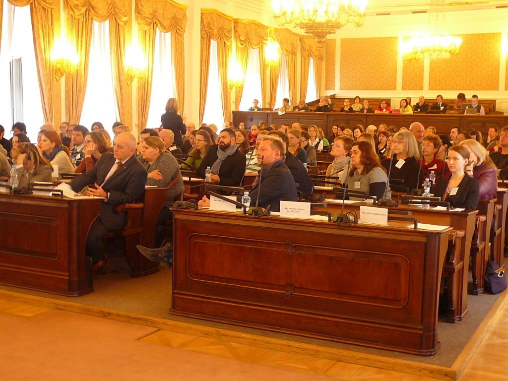 Konference Neslyšící a bezbariérová společnost. © Foto: archiv pořadatele, převzato z www.mistnikultura.cz